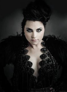 Speak to me Dark Hair Blue Eyes, Blue Hair, Music Is My Escape, Music Is Life, Beautiful Celebrities, Beautiful People, Snow White Queen, Amy Lee Evanescence, Dark Makeup
