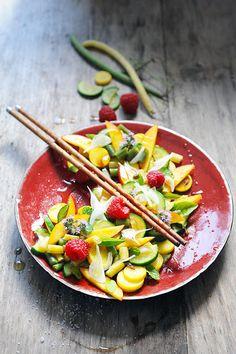 Dorian cuisine.com Mais pourquoi est-ce que je vous raconte ça... : Salade multicolore avec cinq fruits et légumes et ...