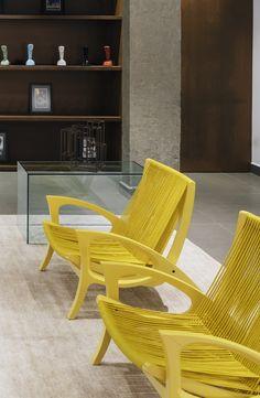 OPEN HOUSE | MAX LACERDA - O bairro Higienópolis, localizado na zona central de São Paulo, é o destino preferido dos apaixonados por arquitetura. Lá permanecem preservados alguns dos prédios mais icônicos da cidade, erguidos durante as décadas de 40, 50 e 60 por renomados arquitetos. O projeto foi assinado pelo arquiteto Flavio Castro, do FC Studio.