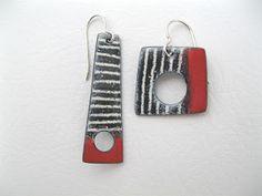 Ceramic Jewelry, Enamel Jewelry, Metal Jewelry, Paper Jewelry, Jewelry Art, Jewelry Design, Polymer Clay Earrings, Jewelery, Handmade Jewelry