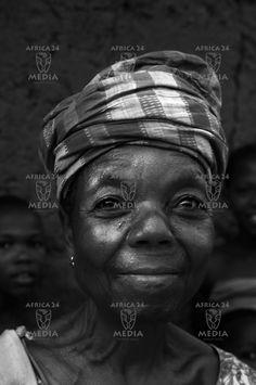 AFRICA, NIGERIA - Portrait of a Mande woman.