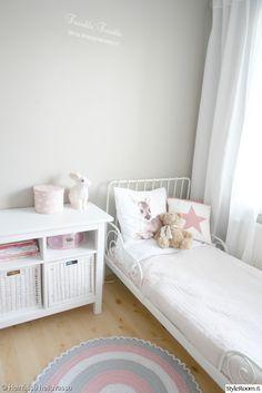lastenhuone, lastenhuoneen sisustus, pupulamppu, lastensänky
