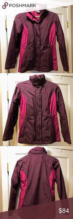 """Women's Columbia 3-in-1 Interchange Winter Jacket Pre-owned women's """"Bugaboo"""" winter ski jacket from Columbia. Has a zip-out fleece jacket that acts as a lining or can be worn on its own (as can the shell). The technical outer shell is waterproof breathable. Worn together it's nice and warm for skiing or other winter activities. Both outer shell and inner fleece have zip pockets. Comes with a detachable hood. I've owned this for a few seasons but only worn it a couple times per season, so…"""