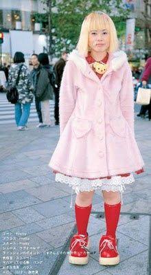 http://fyeahlolita.blogspot.fr/2010/02/old-school-lolita-in-90s-80s-and-70s.html