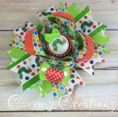 Very Hungry Caterpillar themed OTT stacked bow :) Baby 1st Birthday, Birthday Ideas, Hungry Caterpillar Party, Anna Lee, Craft Projects, Craft Ideas, Making Hair Bows, Boutique Bows, Creative Outlet