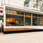 ArchiBlox unveiled Australia's first carbon-positive prefab home that's packed with eco-friendly features and gorgeous to boot. Prefabricated Houses, Prefab Homes, Glass Hinges, How To Build A Log Cabin, Steel Security Doors, Container House Design, Eco Friendly House, Modular Homes, Modern Interior Design