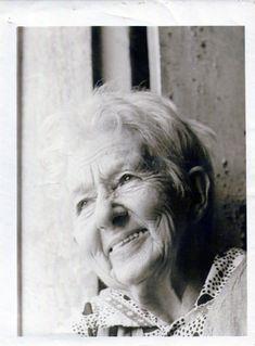 Cora Coralina, poetess, writer and Brazilian chronicler.