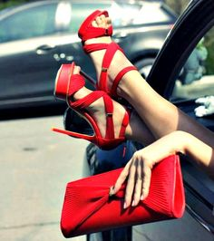 Red love #Fashiolista #Inspiration                                                                                              LadyLUX                                              • 29 minutes ago                                                                                                   Gucci !!!