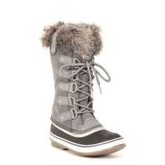 This classic silhouette features a beautiful, waterproof, full-grain leather and suede upper, super-soft faux fur around the cuff and a removable, recycled felt inner boot to ensure that feet stay war