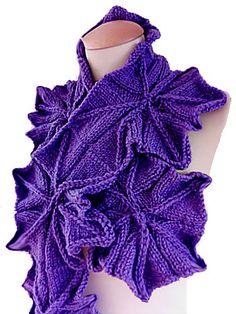 A fast knitting project only using Petal pattern. The easy technique gives the scarf a sophisticated look.