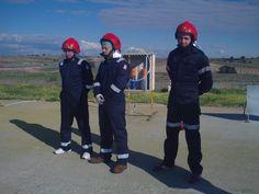 Alumnos antes de realizar las prácticas de extinción de incendios