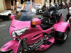 Pink Goldwing trike <3
