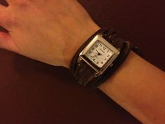 Step-by-step directions for creating a DIY Suede Band Bracelet Watch - homemade jewelry - casual style