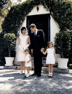 A Look Back at the Kennedys' Summer Estate - HouseBeautiful.com
