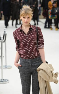 Clemence Poesy - love the look Mode Style, Style Me, Work Fashion, Fashion Outfits, Office Fashion, Fashion Fashion, Fashion Beauty, French Fashion, Womens Fashion