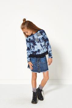 Glamping | Fashion | Sweater | Tie dye | Skirt | Denim | Lookbook