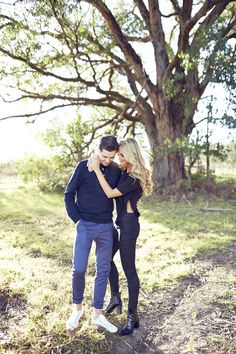 couple holding each other during engagement session, engagement pose, Caitlin Hartley of It Girl Weddings http://itgirlweddings.com/autumn-engagement-session/