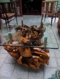 Mesa de raiz de jacaranda