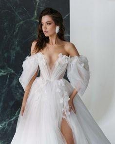 Puffy Wedding Dresses, Slit Wedding Dress, Off Shoulder Wedding Dress, Wedding Gowns With Sleeves, Wedding Dresses Photos, Long Sleeve Wedding, Wedding Dress Styles, Dramatic Wedding Dresses, Ball Gowns
