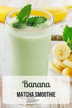 Banana Matcha Smoothie | 1 xic leite de amêndoas, 1/2 banana congelada, 1 colh chá matcha, 1 porção proteína em pó (opcional) | #smoothie #banana #leitedeamendoas #almondmilk #dairyfree #matcha