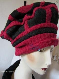 winter baret zwart muis wol en fuschsia rood par MatheHBcouture