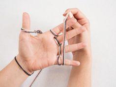 DIY-Anleitung: Stricken ohne Nadel: Schal fingerstricken via DaWanda.com
