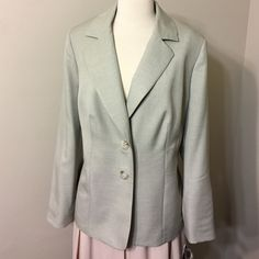 NEW WITH TAGS👌Le Suit Separates Woman   Size 14 W Wash . Dry. Wear .Wrinkle resistant ,travel friendly.New with tags Le suit Separates Jackets & Coats Blazers
