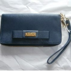"❤️NWT BADGLEY MISHKA CLUTCH WALLET MSRP $165❤️ Beautiful navy wristlet wallet 7"" x 4"" x1"" Badgley Mischka Bags Clutches & Wristlets"