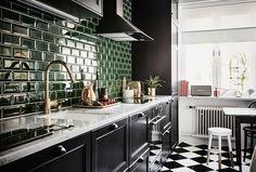 Grönt kakel, Fired Earth, Moodhouse Interiör, Moodhouse Home Service, köksrenovering, marmor