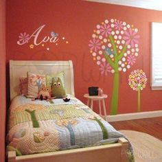 This will be a great possible room for my little girl when she gets older...except the name will be either Elizabeth or Rosalie above the bed ;) <3