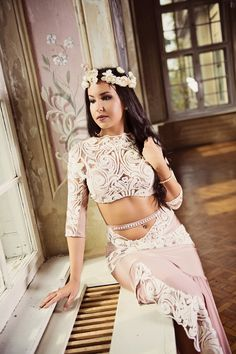 "Ivory Embrace - premium extra ""Lace Embrace"" collection  #fashion #art #fashiondesigner #bellydance #stage #costume #costumedesigner #highfashion #personaldesigner #lace #puresilk"