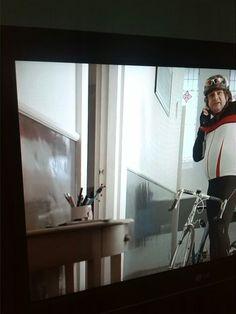 Betonemaille van nu, gaaf!  Jumbo reclame Flat Screen, Tv, Blood Plasma, Television Set, Flatscreen, Dish Display, Television