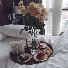 Best Ideas Breakfast In Bed Luxury Sunday Morning Breakfast Potatoes, Breakfast In Bed, Breakfast Casserole, Romantic Breakfast, Hotel Food, Coffee Photography, Healthy Muffins, Vintage Coffee, Best Coffee