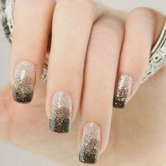 Mostrando Stylish-Nails-Art-For-Girls-At-New-Year-2014-4.jpg
