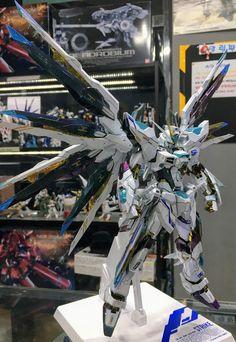 다반거 다 만들고 바로 용도자거 작업 들어가서 인제 완성했습니다. 건담에는 잘 쓰는 색은 아니지만 이쁜 ... Gundam Wing, Gundam Art, Imperial Jade, Battle Robots, Strike Gundam, Gundam Wallpapers, Gundam Mobile Suit, Accel World, Gundam Custom Build