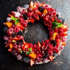 """Breton base with lemon and vanilla creme mousseline and berries.  Mørdeig """" Breton """" med vanilje og sitron. Creme mousseline ( vaniljekrem pisket med tilsatt smør ) og friske bær.  Bildet er i fra min nye bok som kommer i november.  Foto: @matografen  Design: @bodilmostadolsen  @larslian  #larslian #caccao #chef #cake #cheftalk #chefstalk #pastry #patissier #pastrychef #instafood #instagood #desserts #dessertmasters #theartofplating #kake #knallgodt #bake #valrhona #jordbærpikene…"""