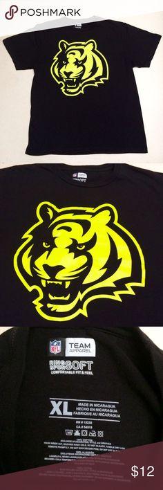 Cincinnati Bengals - NFL NEON Men's T-shirt 🐯🏈 Cincinatti Bengals 🏈 Official NFL t-shirt   Neon Yellow Tiger Logo 🐯  Ring Spun Soft  Size Men's XL   Like new condition! NFL Shirts Tees - Short Sleeve