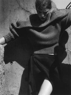 Vogue Paris - SUR LA ROUTE