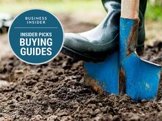You need a shovel to work in your garden. We've found the best shovels, spades, and trowels for digging up dirt, gravel, and turf in your garden. Small Garden Tools, Garden Spade, Digging Tools, Tool Sheds, Gardening Gloves, Shovel, Garden Trowel, Amazing Gardens, Breakup
