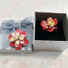 #diy #nailpolish #nailpolishflowers #jewellery #floraljewellery #flower  #recycle #nail #polish #flower #handmade  #wire   Jewellery made with nail polish and wire!    https://www.etsy.com/listing/225941727/nail-polish-jewellery-customisable-ring?ref=shop_home_active_1