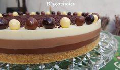Se ve muy linda a la vista y rica  http://bizcochela.blogspot.cl/2015/12/tarta-tres-chocolates-facil-y-sin-horno.html