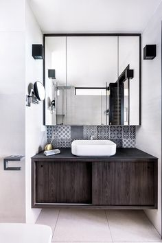 What Your Tiles Say About Your Design Taste (pictured) a lovely Peranakan themed bathroom Bathroom Design Software, Bathroom Tile Designs, Bathroom Interior Design, Condo Interior, Nordic Interior, Bathroom Ideas, Wood Effect Tiles, Tiny Bath, Bathroom Styling
