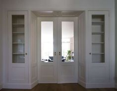 ❤️ good proportions/ Doors same height/ splay entry/ trim