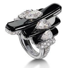 de Grisogono High Jewellery Collection ~ Onyx and Diamond High Jewellery Ring set with pear-shape white diamonds in white gold at the Cannes Film Festival 2017 Mommy Jewelry, Jewelry For Her, Fashion Jewelry Necklaces, Gems Jewelry, Gothic Jewelry, High Jewelry, Diamond Jewelry, Amethyst Jewelry, Body Jewellery