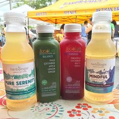 Getting in our liquids today at Kaka'ako Farmers Market. @herbologietea