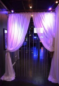 Cool Sweet 16 Party Ideas – Fun and Helpful Sweet Sixteen Party Ideas Masquerade Party Decorations, Masquerade Ball Party, Sweet 16 Masquerade, Masquerade Theme, Halloween Masquerade, Halloween Dance, Halloween Decorations, Sweet 16 Themes, Sweet 16 Decorations