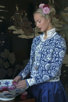 OLEANA Norway - The knitwear is high quality and a good alternative to classic costume jackets. Perfect for the Dirndl. Fair Isle Knitting, Knitting Yarn, Free Knitting, Norwegian Knitting, Knitwear Fashion, Traditional Dresses, Knitting Patterns, Knit Crochet, Textiles