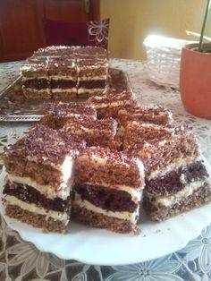 Cake Bars, Tiramisu, Ethnic Recipes, Food, Eten, Tiramisu Cake, Meals, Diet