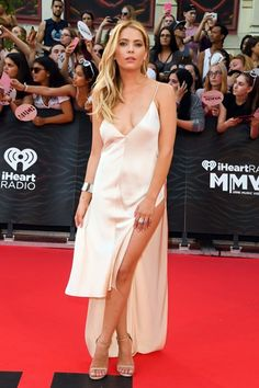 Ashley Benson arrives at the 2016 Much Music Video awards in Toronto, Canada (June 19th, 2016)