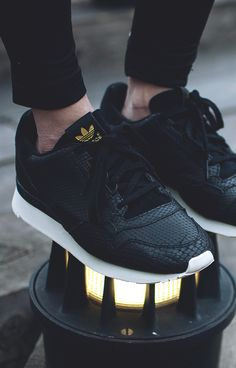 Are you addicted to adidas sneakers? Great Adidas Sneakers for and on feet! Find here the best of adidas Originals! Sneakers Vans, Adidas Shoes, All Black Sneakers, Sneakers Design, Zx Adidas, Black Adidas, Adidas Gazelle, Fashion Shoes, Mens Fashion